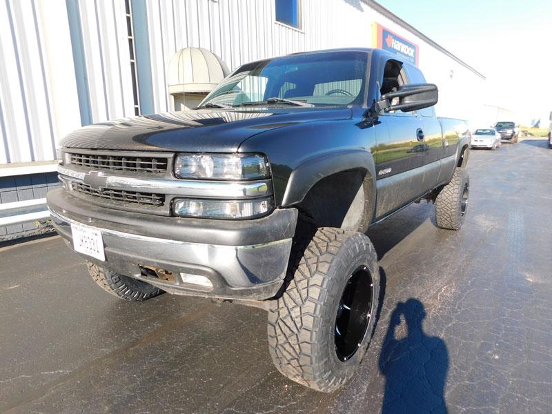 2000 Chevrolet Silverado 2500 20x12 Vision Wheels 37x12
