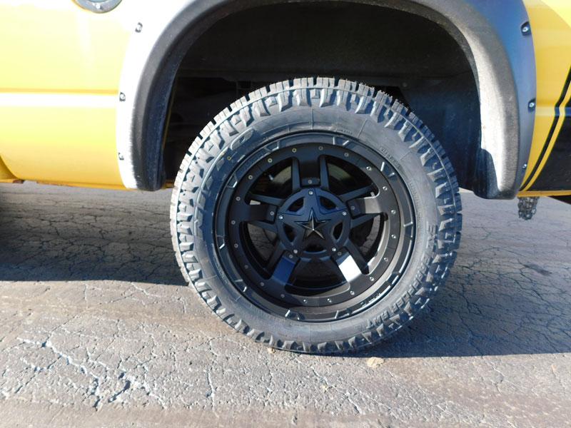2004 Dodge Ram 1500 20x10 Xd Series Nitto Lt285 55r20