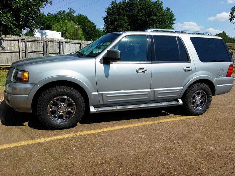 2006 Ford Expedition Vision Raptor 17x8 5 25 Offset 17 By 8 Inch Wide