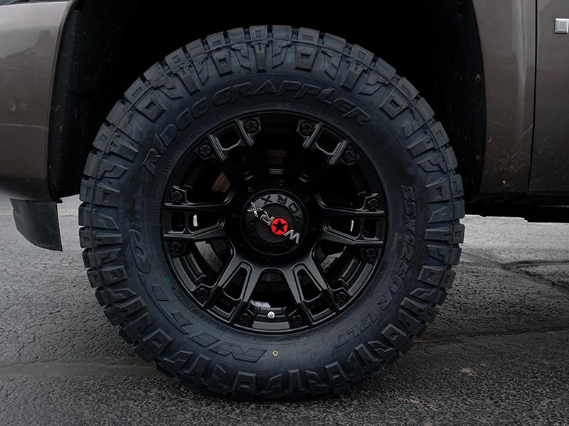 2007 Chevrolet Silverado 1500 17x9 Worx Nitto 33x12 5r17