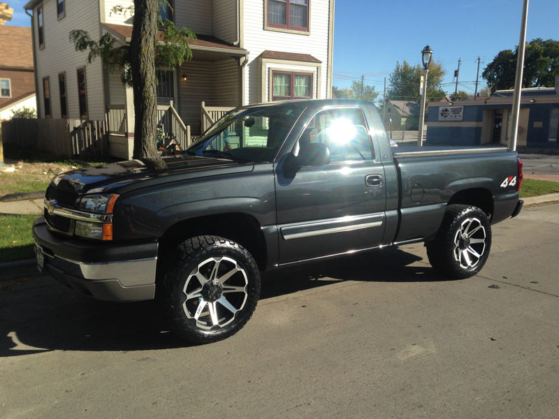 2004 Chevrolet Silverado 1500 20x9 Tuff Wheels 285 50r20
