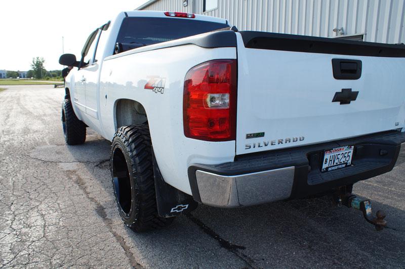 33 12 50 20 >> 2010 Chevrolet Silverado 1500 20x12 Moto Metal Wheels 33x12 5r20