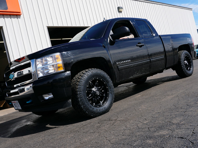 2010 Chevy Silverado 1500 2 Inch Leveling Kit Fuel Offroad Hostage 18x9 01 Offset 18