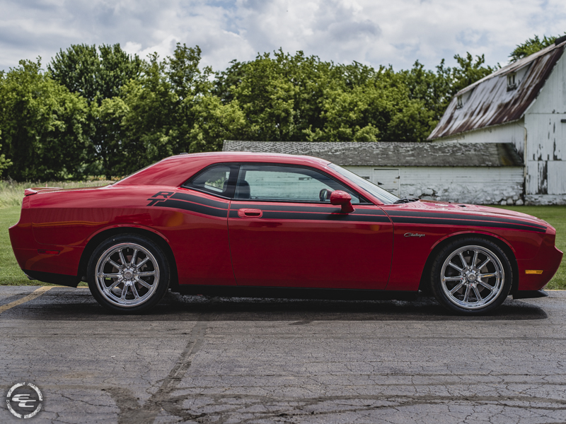 2010 dodge challenger staggered us mags wheels 275 35zr20 nitto tires. Black Bedroom Furniture Sets. Home Design Ideas
