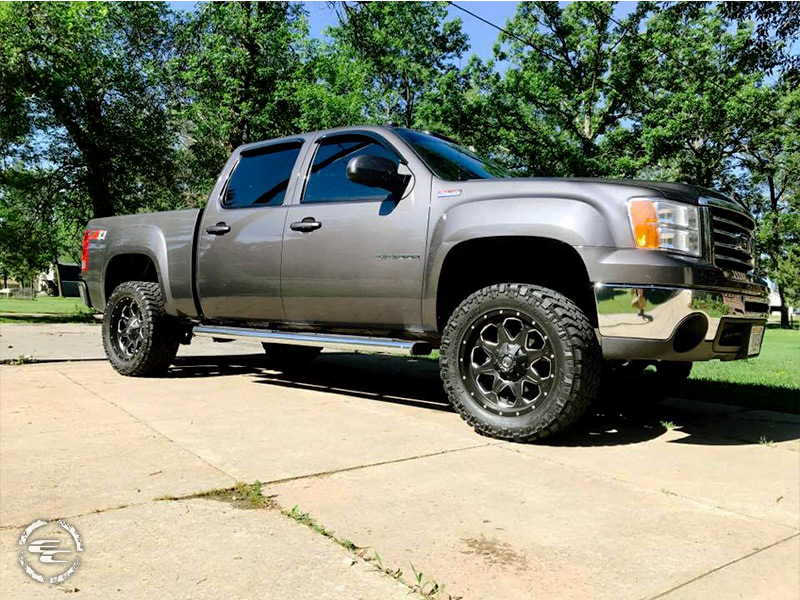 2010 GMC Sierra 1500 - 20x9 Fuel Offroad Wheels 295/55R20 ...