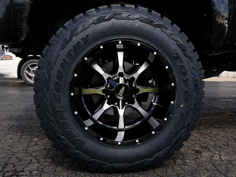 2011 Ford F 250 Super Duty 20x12 Moto Metal Toyo Lt37x12 5r20