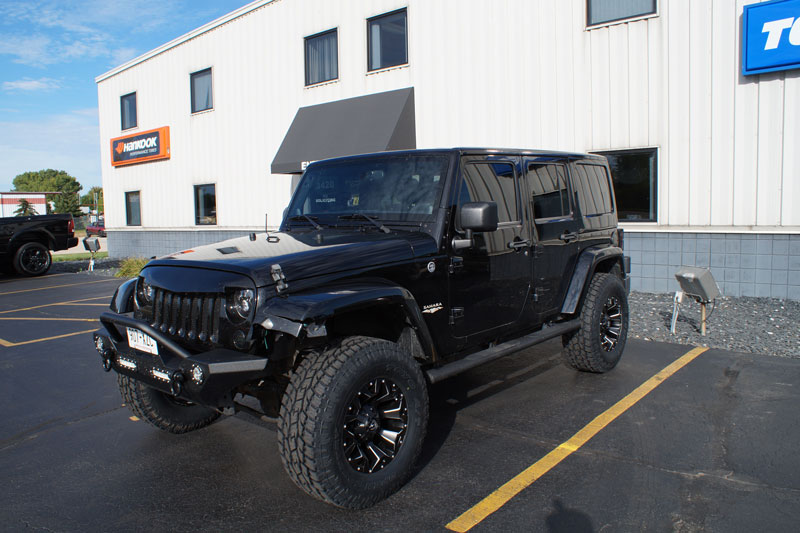 2011 jeep wrangler 17x9 fuel offroad wheels 305 70r17 toyo tires rough country 2 5 inch. Black Bedroom Furniture Sets. Home Design Ideas