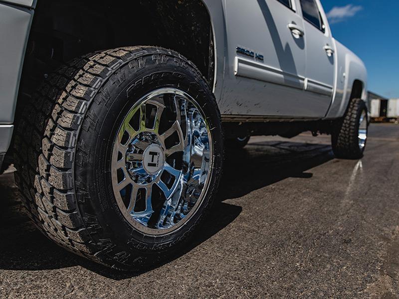 305 55r20 In Inches >> 2013 Chevrolet Silverado 2500 HD - 20x12 Hostile Wheels 305/55R20 Nitto Tires Rough Country 1.5 ...