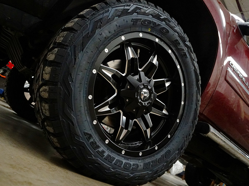 2013 Gmc Sierra 2500 Hd 20x9 Fuel Offroad Wheels 305