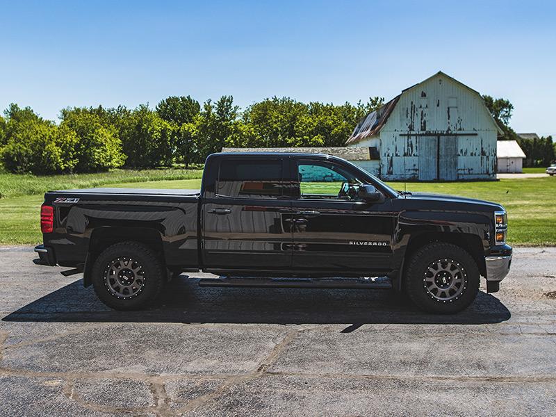 2015 Chevrolet Silverado 1500 18x9 Ion Alloy Wheels 275
