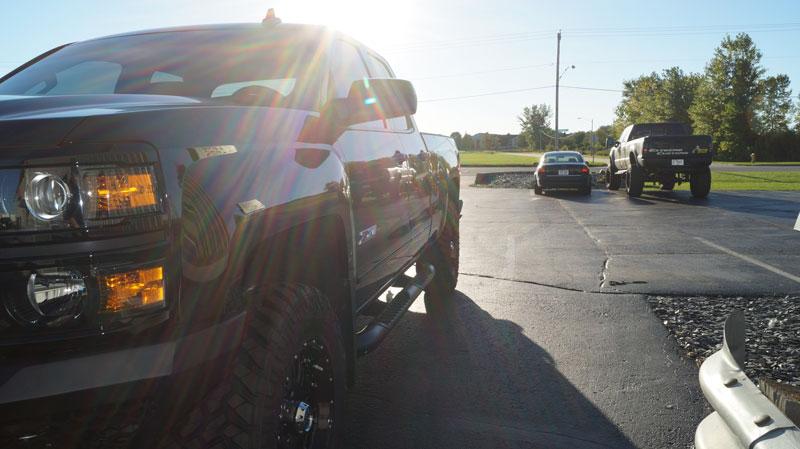 Chevy Lift Kits >> 2015 Chevrolet Silverado 1500 - 18x9 XD Series Wheels 285/65R18 Nitto Tires Rough Country 3.5 ...
