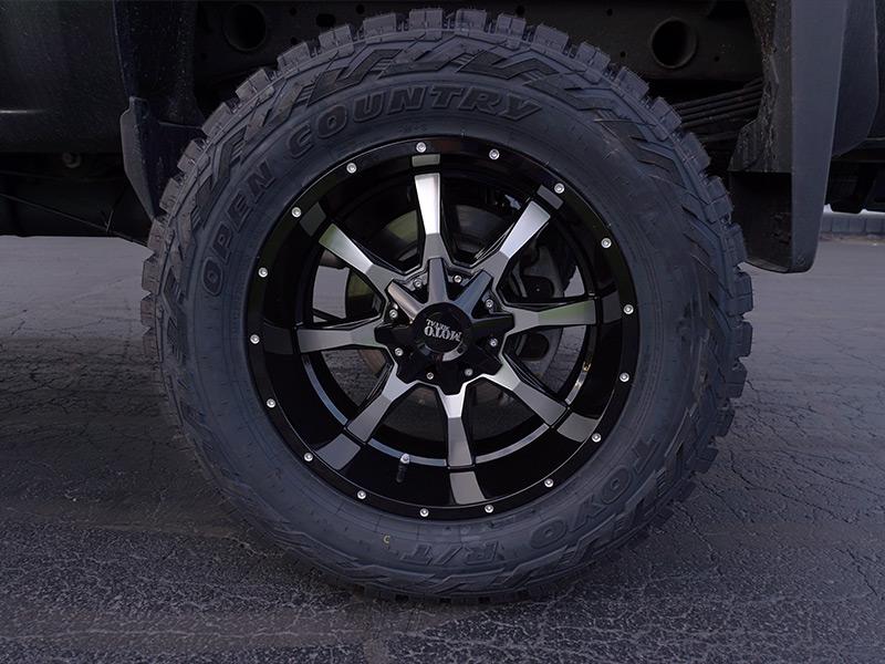 2015 Chevrolet Silverado 2500 HD 20x10 Moto Metal Toyo ...