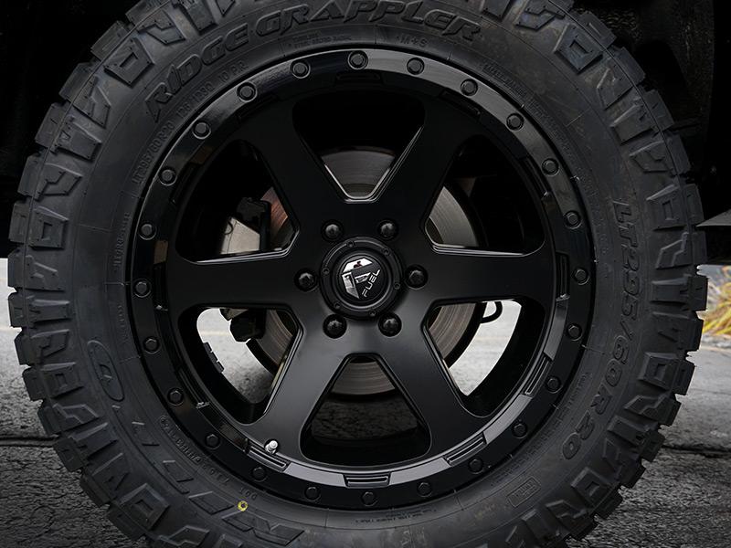 2015 Chevrolet Silverado 1500 20x9 Fuel Offroad Nitto