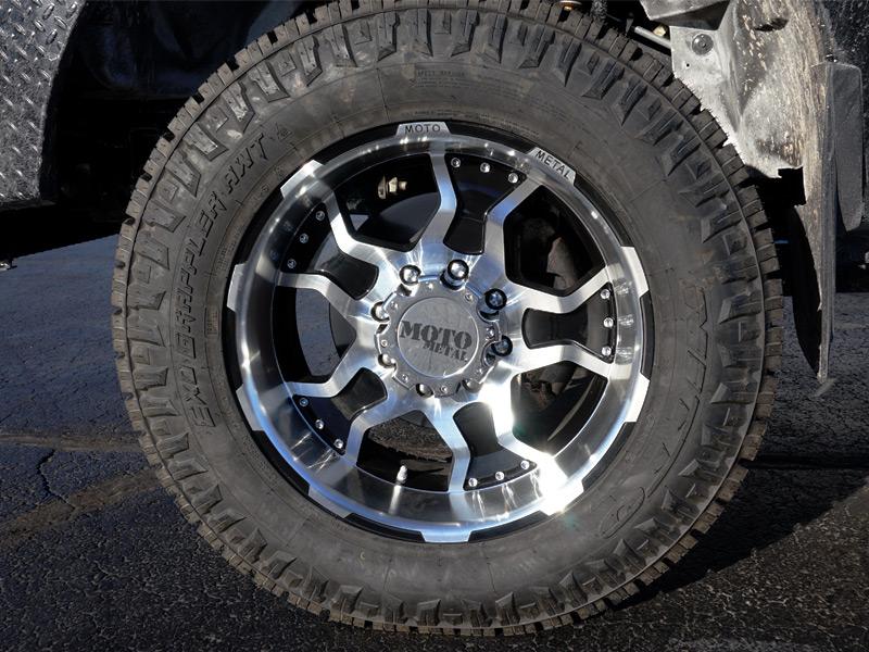 2015 Ford F 350 Super Duty 20x9 Moto Metal Wheels 285