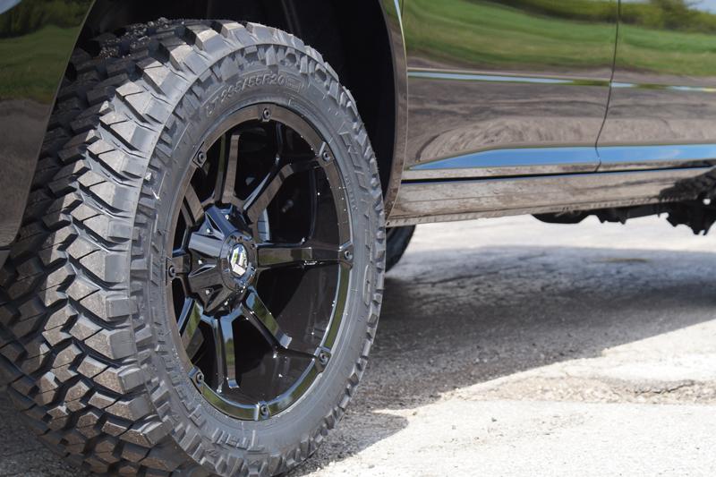 2015 Ram 1500 Leveling Kit >> 2015 Ram 1500 - 20x10 Fuel Offroad Wheels 295/55R20 Nitto ...