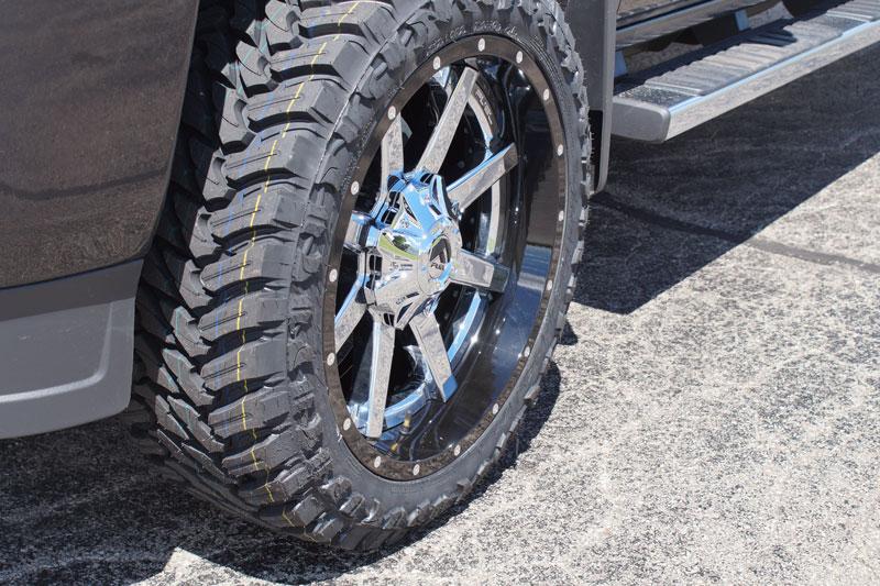 2016 Gmc Sierra 2500 Hd 22x10 Fuel Offroad Wheels 33x12