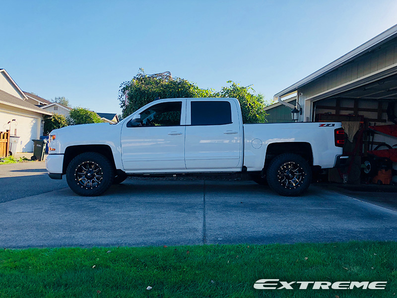 2018 Chevrolet Silverado 1500 18x9 Fuel Offroad Wheels