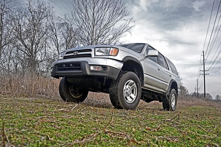 Rough Country 3in Toyota Suspension Lift Kit (96-02 4Runner 4WD)